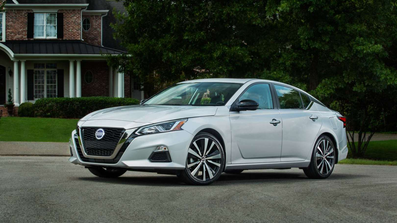 The 2020 Nissan Altima has a higher base price but is ...