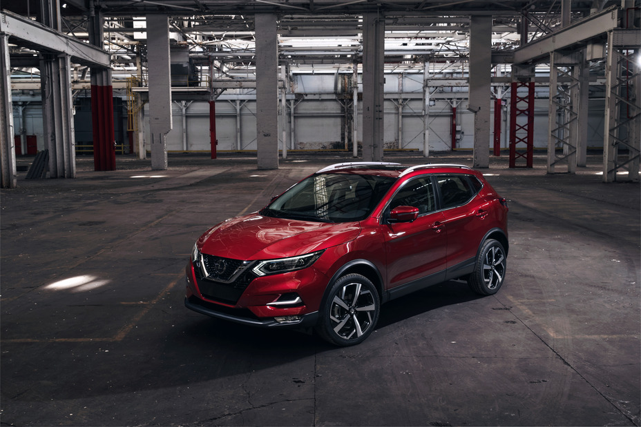 The 2020 Nissan Rogue Sport receives updated styling and ...