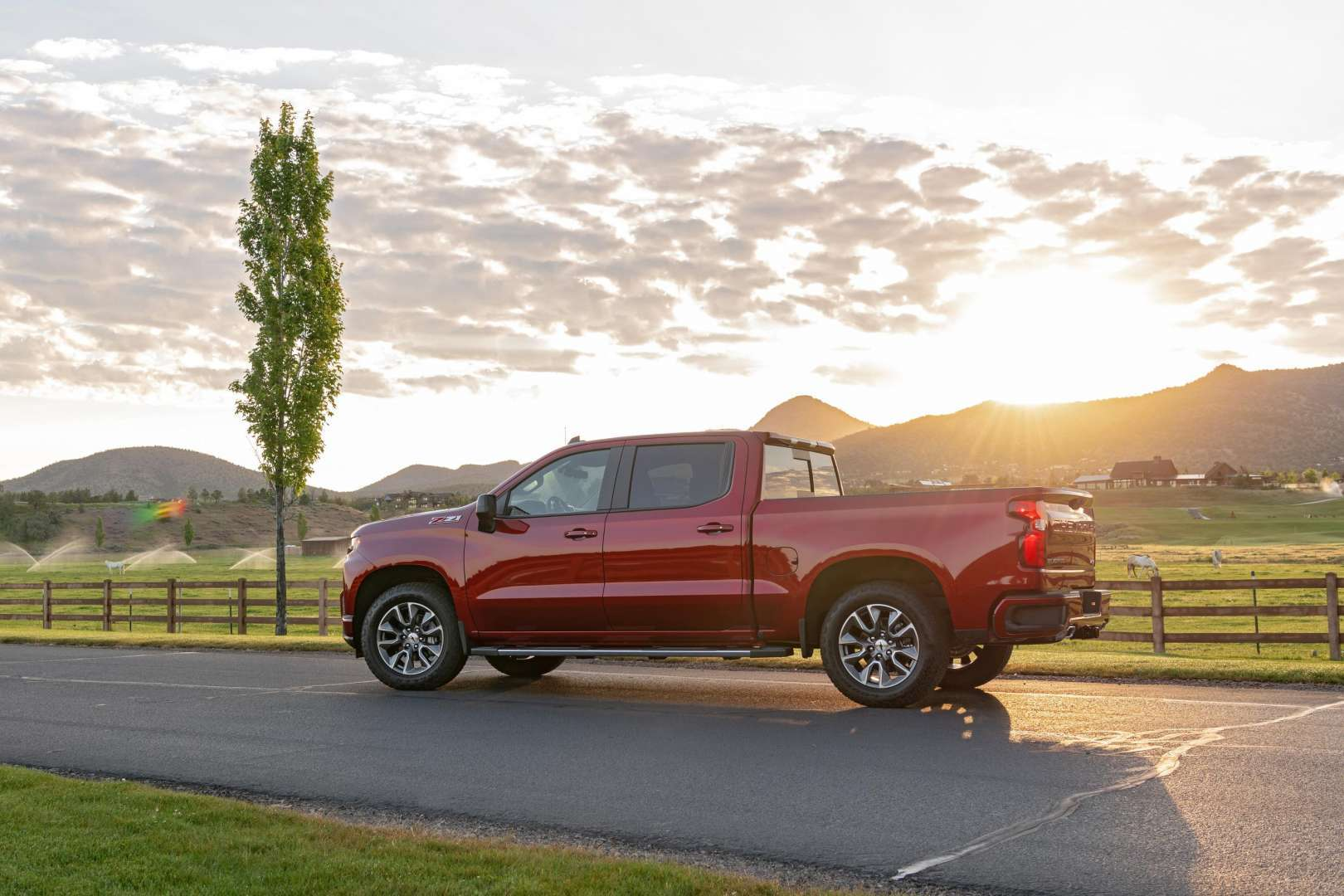 The 2020 Chevrolet Silverado 3.0L Duramax diesel achieves 33 mpg on the highway - dlmag