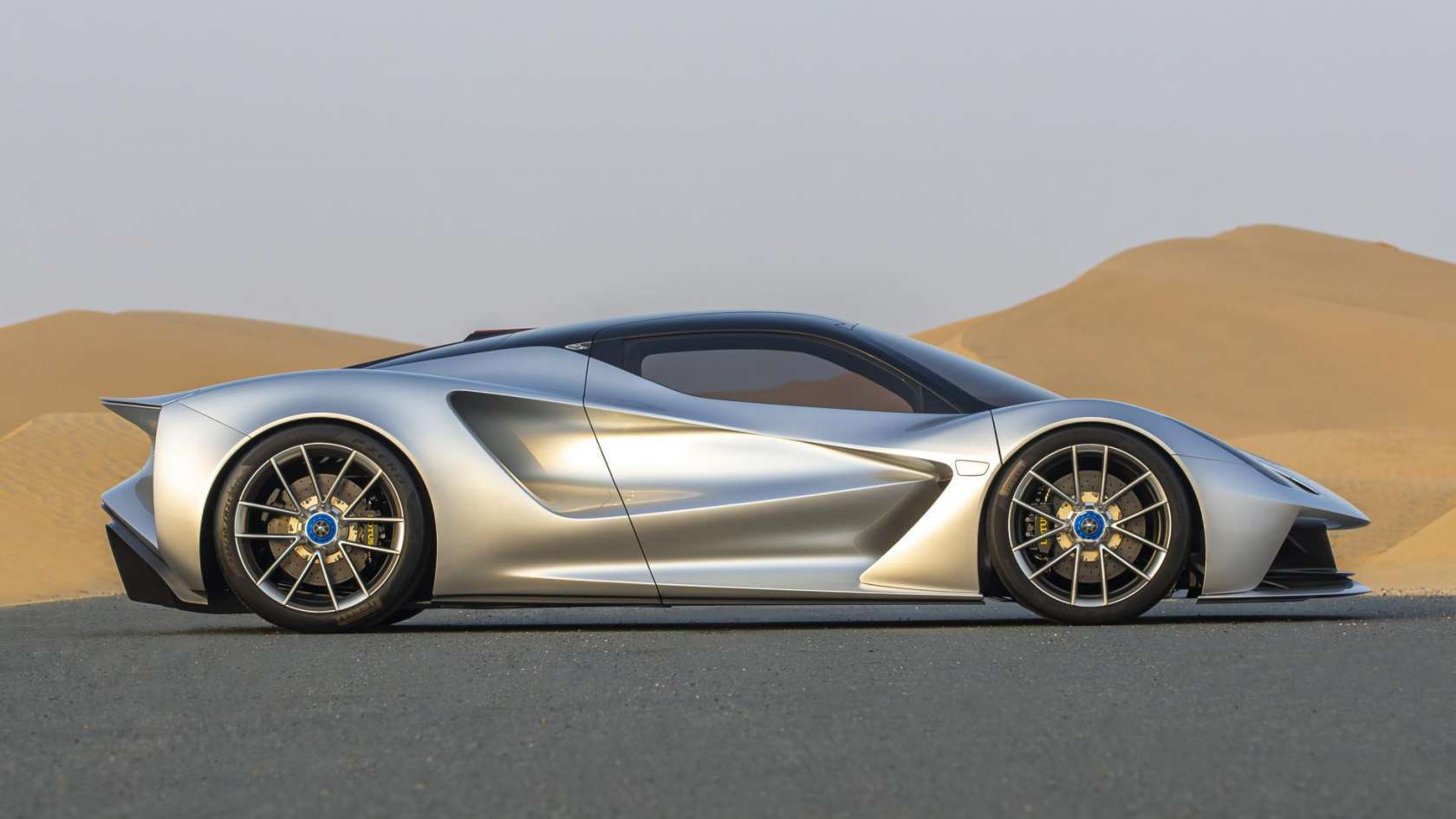 The Lotus Evija Lands In Dubai And It S Unlike Any Car On