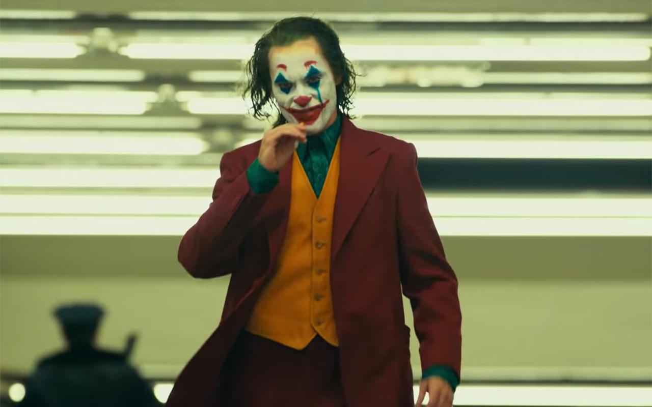 Review Joker \u2013 Arthur Fleck\u0027s slow decline into psychosis