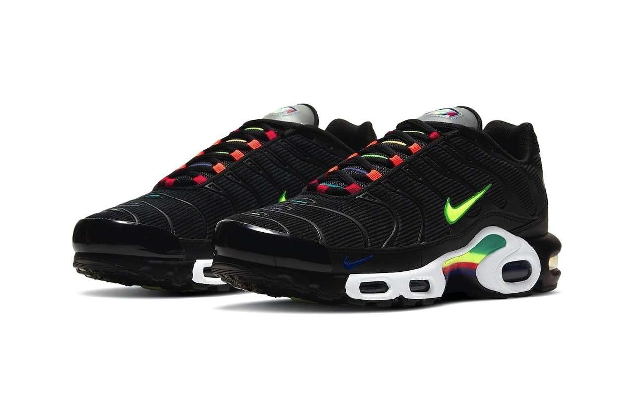 Nike Air Max Plus Black Corduroy