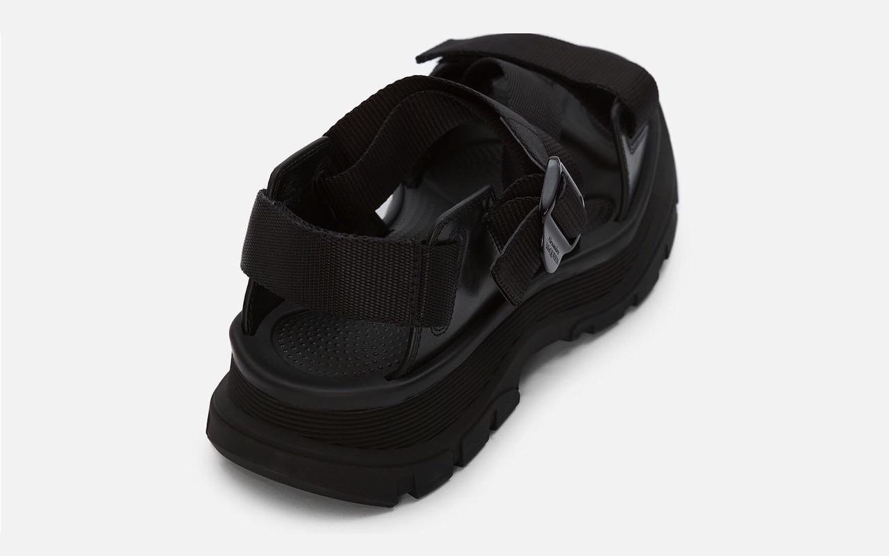 Alexander McQueen Tread Sandal Black