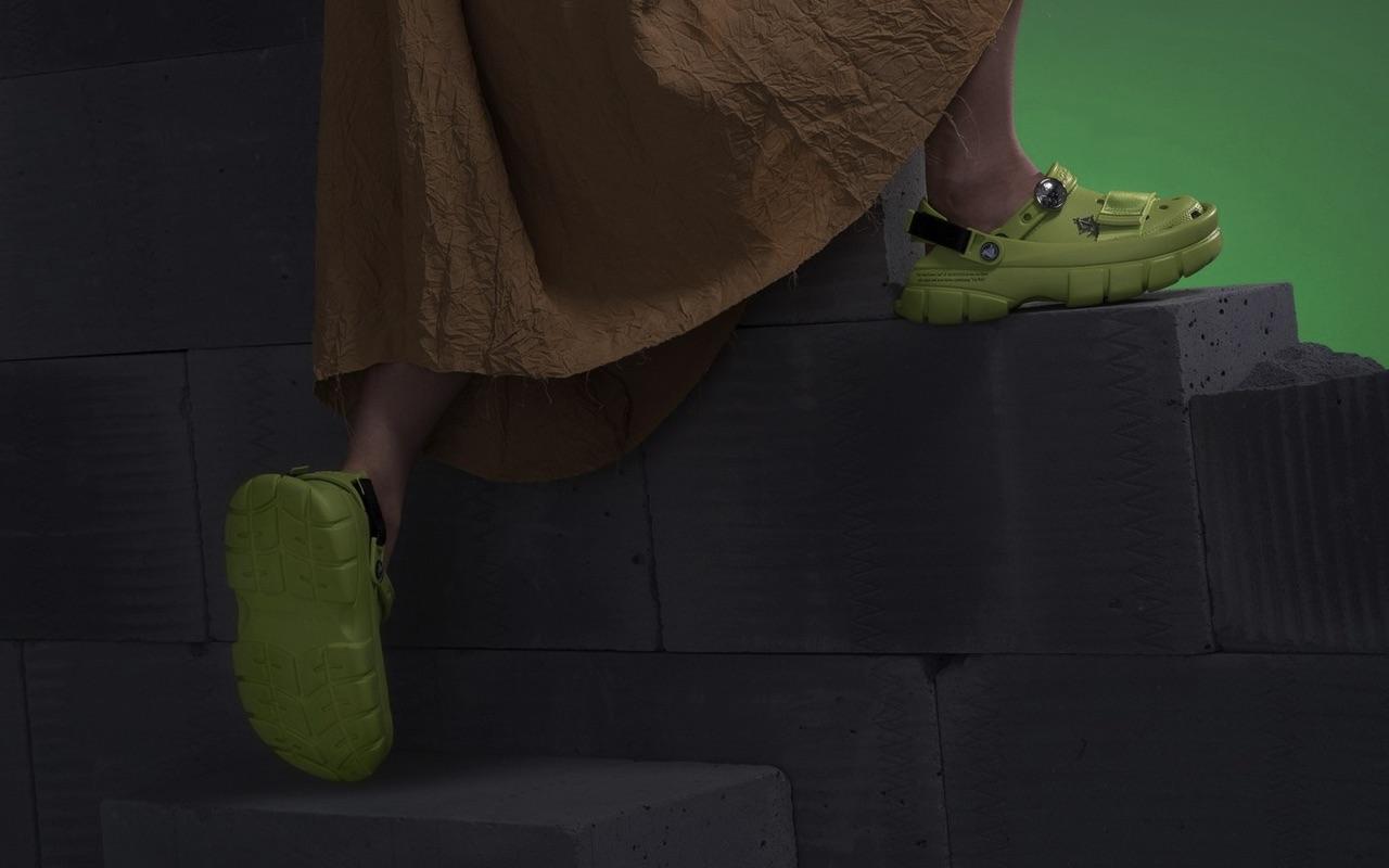 SANKUANZ Crocs Limited-Edition Classic Clogs 5